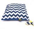 Poduszka Chevron z niebieskim Minky